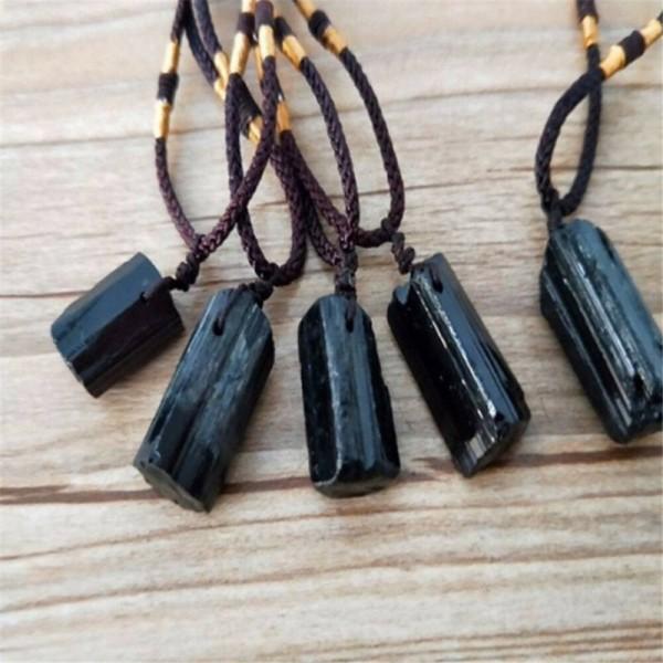 Schwarzer Turmalin Stein als Halskette