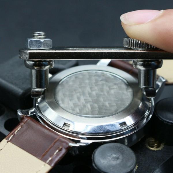 Gehäuseöffner als Werkzeug für Uhren